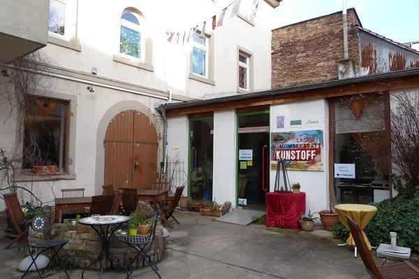 Café Pan Innenhof